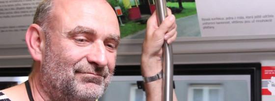 Nová Galerie dé se projíždí po olomouckých tramvajových kolejích